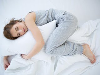 Bagaimana Lima Posisi Tidur Paling Umum Mempengaruhi Kesehatan Anda