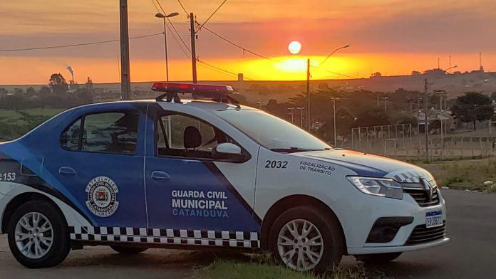 Jovem ameaça incendiar casa da avó e é detido pela GCM em Catanduva