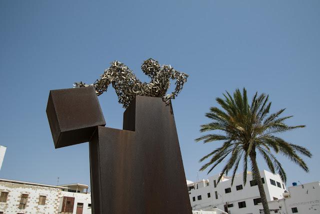 Scultura a Puerto del Rosario-Fuerteventura