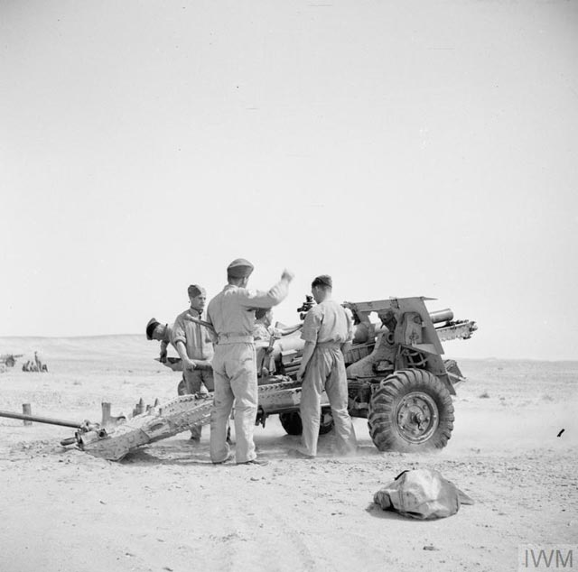British 25-pdr 8 March 1942 worldwartwo.filminspector.com