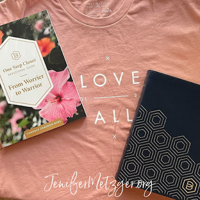 Review of Candace Cameron Bure's line at Dayspring and a giveaway. #dayspring #liveyourfaith #candacecameronbure #giveaway