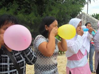 tiup balon sampai meletus