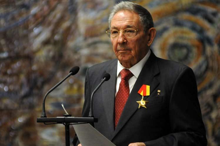 62627245cb73a Destacó Raúl Castro relaciones de amistad entre Cuba y Vietnam