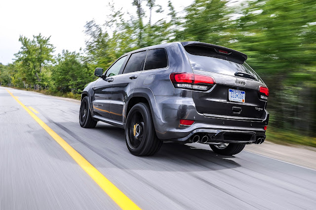 Rear 3/4 view of 2019 Jeep Grand Cherokee Trackhawk