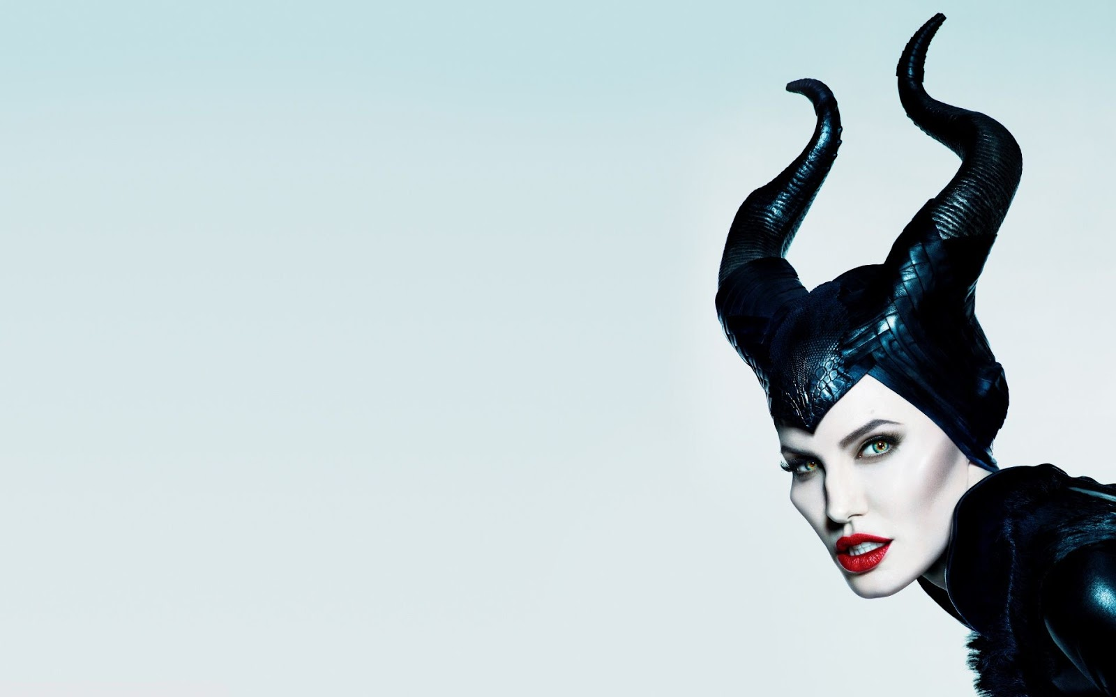Disney S Maleficent Mistress Of Evil 2019 Poster Final