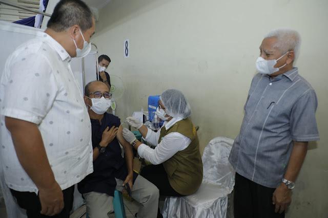 Bupati dan Wabup Bersama Forkopimda Asahan Tinjau Pelaksanaan Vaksinasi Covid-19 Tahap II di Gedung Serbaguna