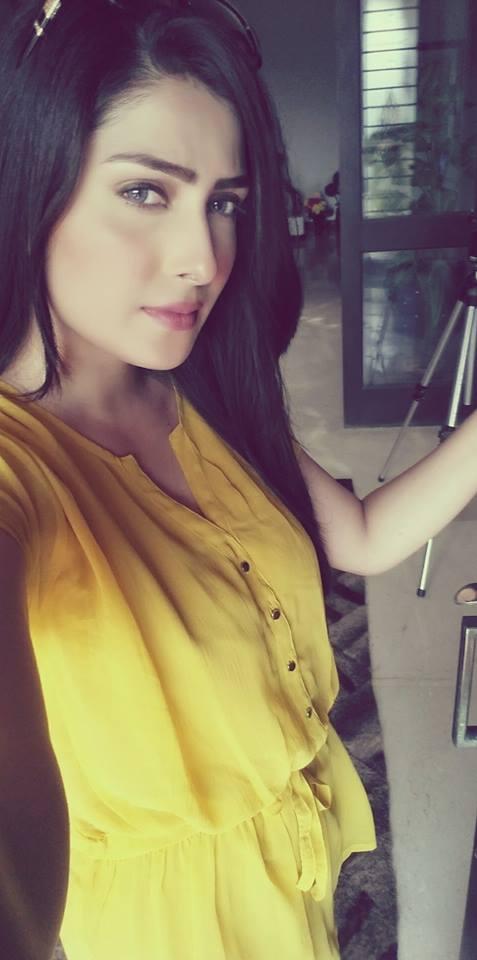 Stylish Pakistani Girls Pics