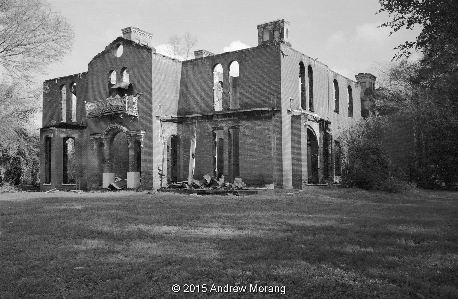 Mississippi washington county chatham - Mount Holly On The Pleasant Shore Of Lake Washington In Foote Mississippi Is One Of Those Impossibly Grand Mansions Of Which Many Examples Were Built In
