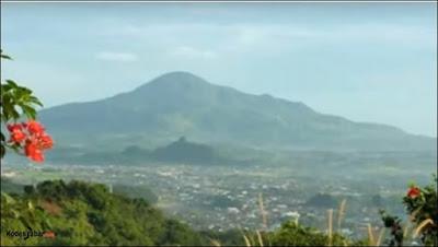 Legenda Gunung Tampomas Sumedang