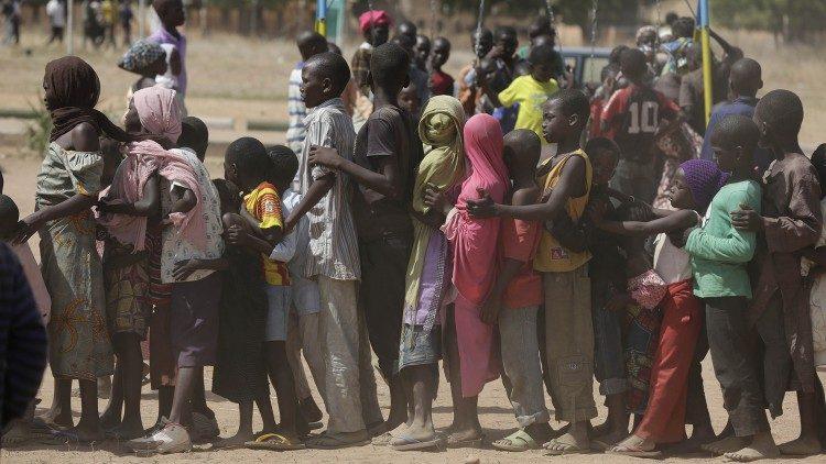 Giáo hội Nigeria mở nhà thờ và trường học đón tiếp các gia đình chạy trốn khủng bố