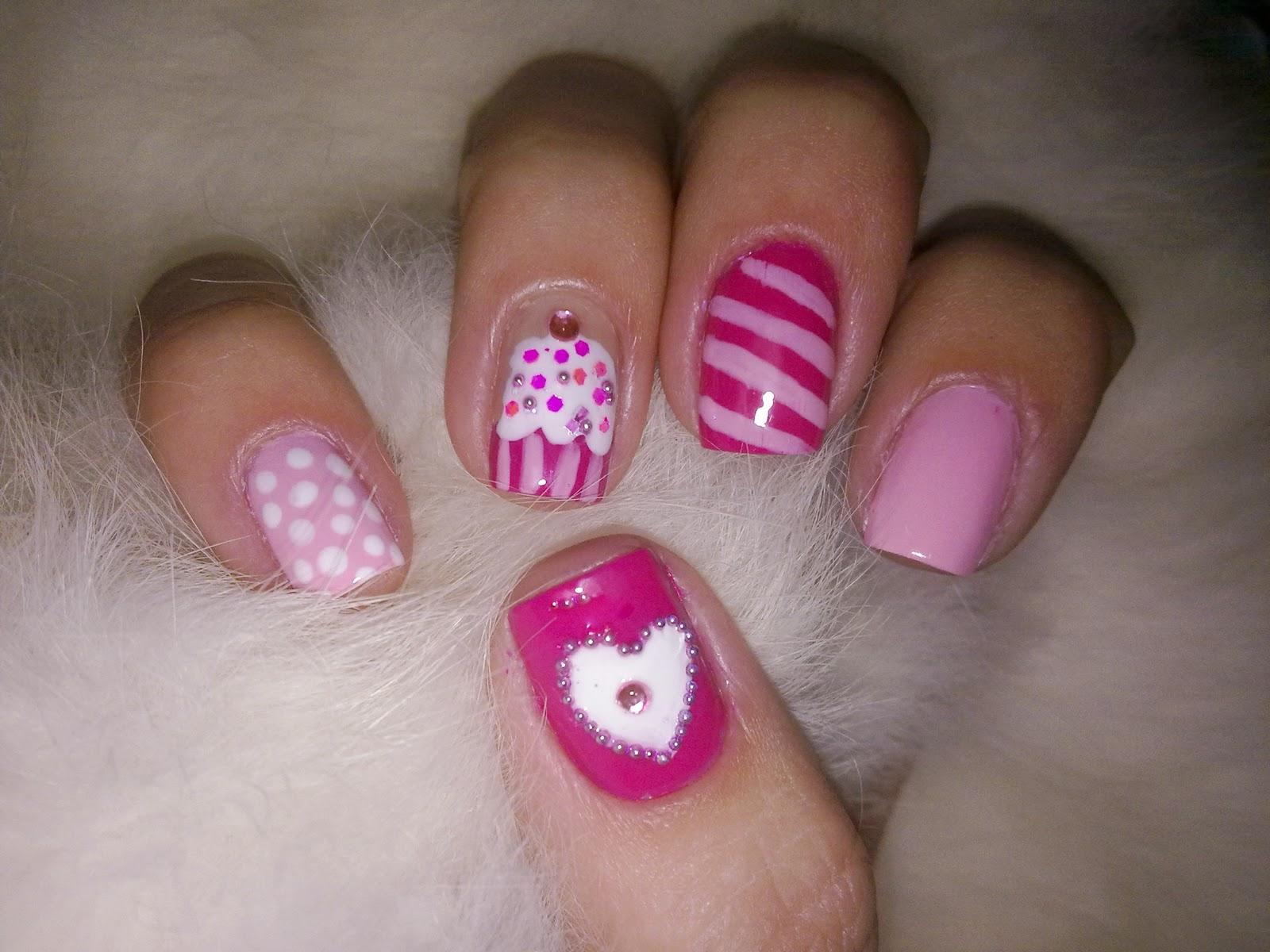 Cute Nail Design: Cupcake
