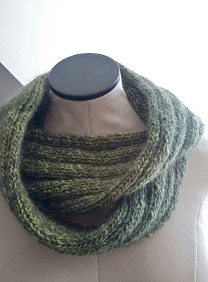 Knitting cowls for Christmas gifts.  Christmas knitting ideas; Christmas gift ideas.  https://www.etsy.com/shop/jeanniegrayknits