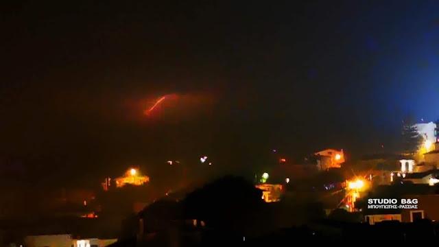 """Αργολίδα: Η κακοκαιρία """"Βικτώρια"""" σε πλήρη εξελιξη - Η νύχτα έγινε μέρα από τις αστραπές (βίντεο)"""