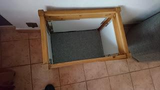 photo de l'intérieur du mini bar en cours de réalisation.