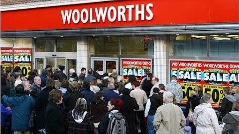 عروض وتنزيلات مستمرة في woolworth