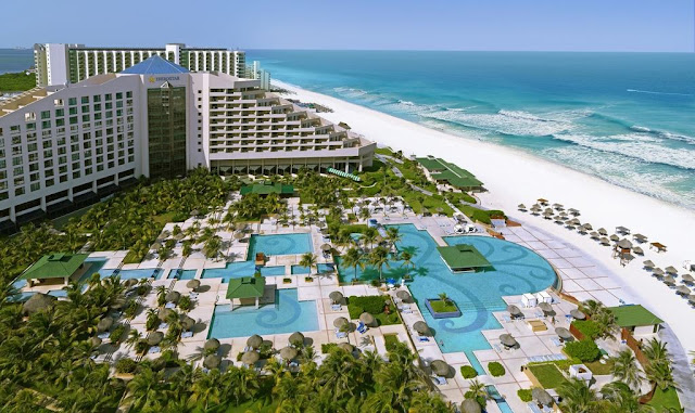 Enjoy the best All Inclusive vacation in Cancún. Iberostar Selection Cancún, one of the best 5-star hotels in Mexico. Located in the middle of the hotel zone of Cancun, this All-Inclusive, oceanfront, 5-star resort is only 15 minutes from the Cancun International Airport.
