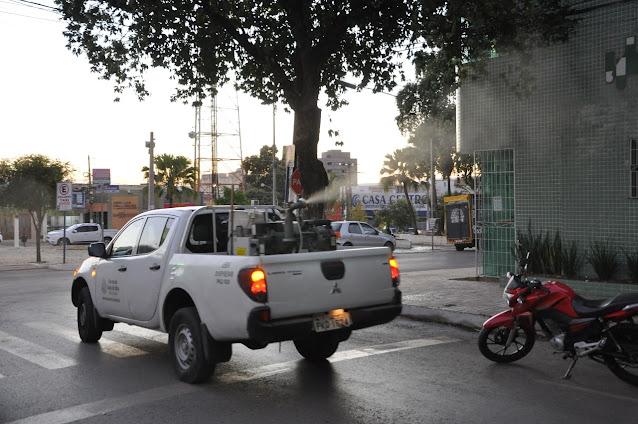 Prefeitura de Barreiras inicia novo ciclo preventivo contra o mosquito da dengue com veículos fumacê