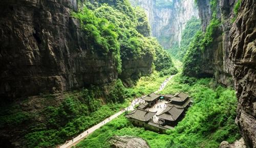 อุทยานหลุมฟ้า 3 สะพานสวรรค์ (Three Natural Bridges) @ www.chinadiscovery.com