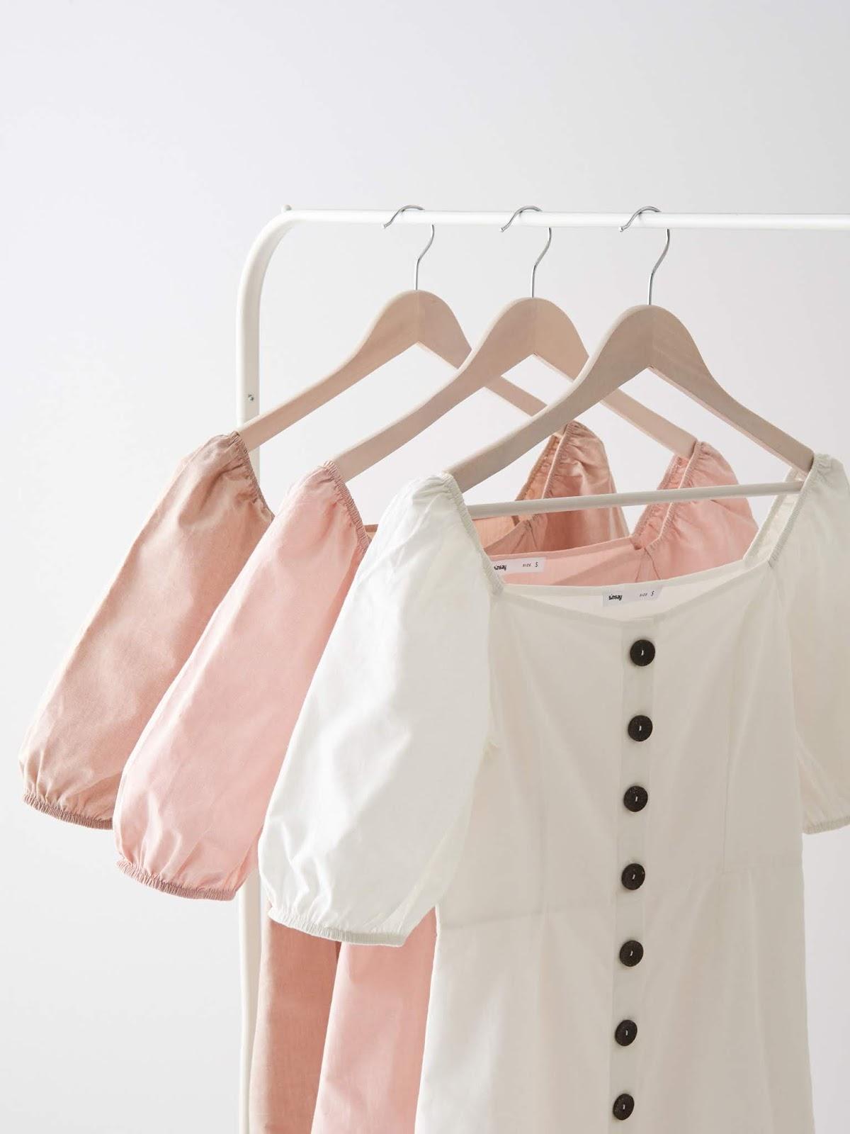 Modne sukienki za niską cenę? Przegląd wiosennych sukienek - SINSAY
