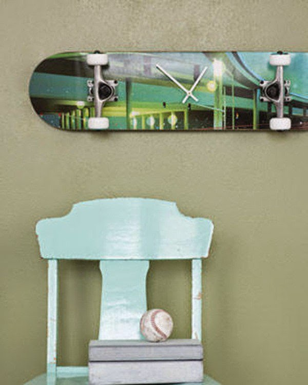 Do it yourself ideas and projects 19 diy awesome skateboard crafts diy skateboard clock lounge chair skateboard crafts solutioingenieria Choice Image
