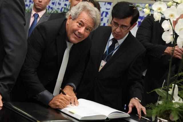 Luiz Carlos do Carmo assume vaga no Senado deixada por Caiado