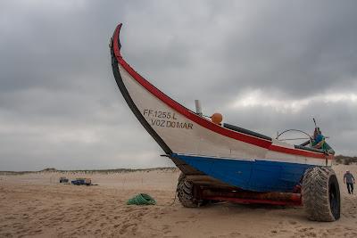 costa de lavos bateau de peche traditionnelle
