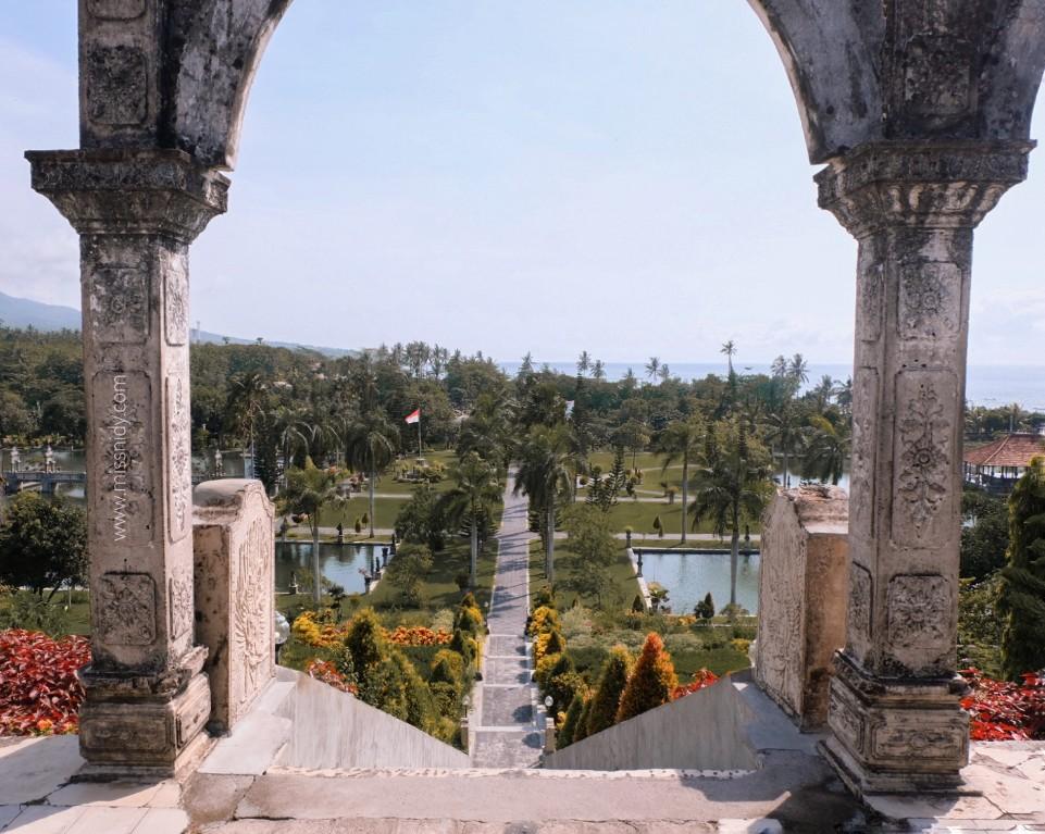 the best time to visit taman soekasada ujung karangasem bali
