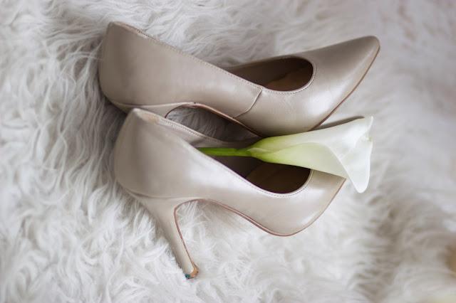 Wedding shoe silver image