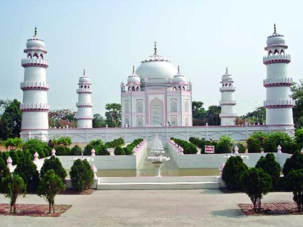বাংলার তাজমহল। অনুপম ভালোবাসার আশ্চর্য নিদর্শন