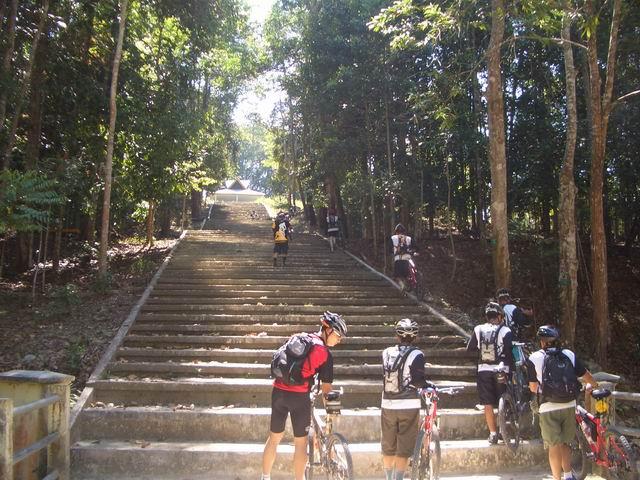 Fasilitas Yang Tersedia di Alam Taman Hutan Raya Sultan Syarif Hasyim Riau