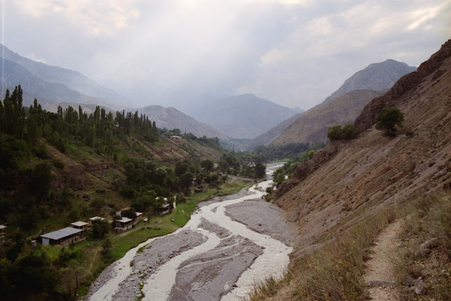 Ouzbékistan, Chakhimardan, © L. Gigout, 1999