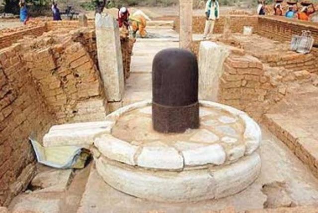 खुदाई में मिली 2000 साल पुरानी शिवलिंग, आती है तुलसी की खुशबु