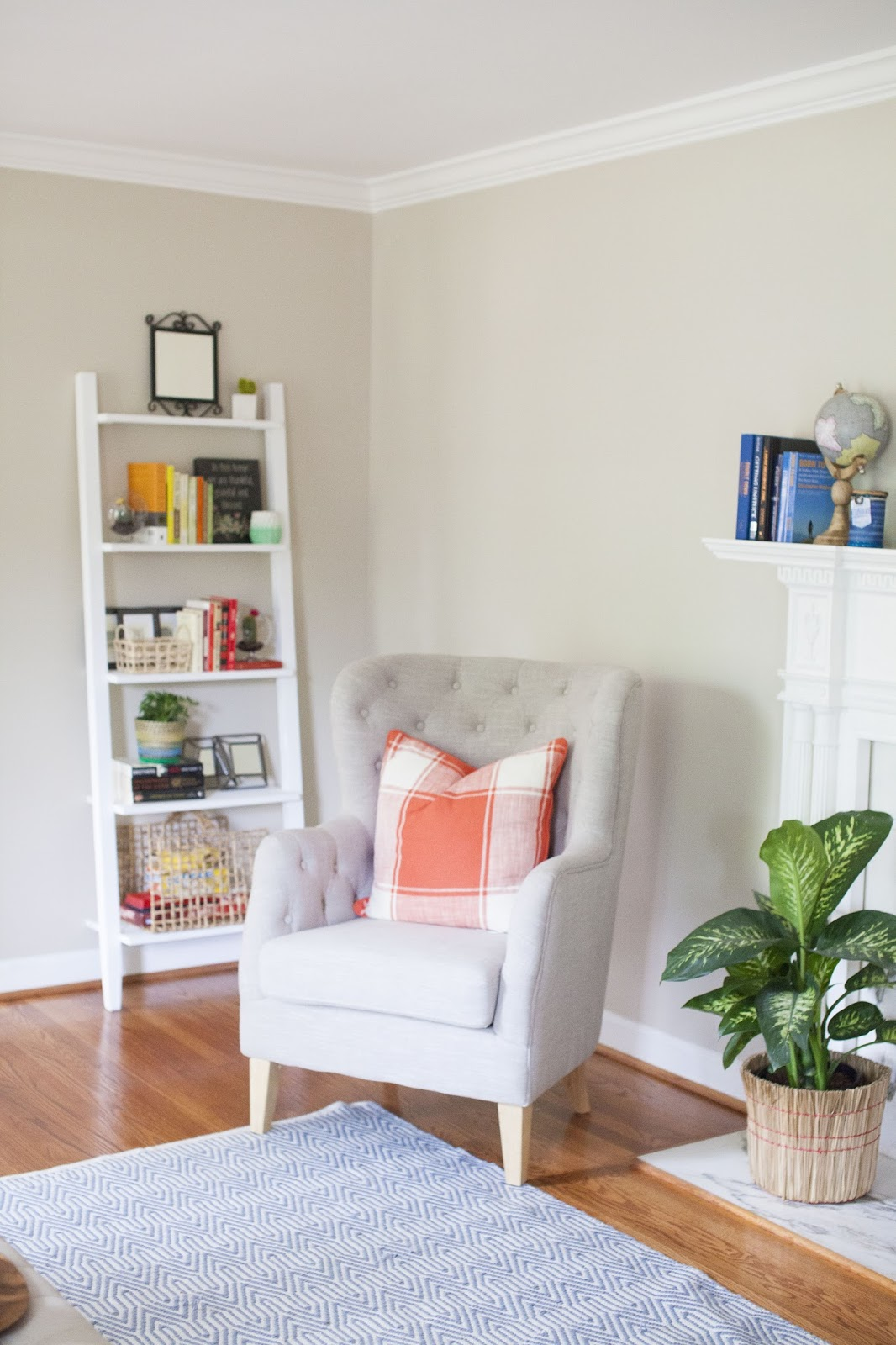 Modern Classic Living Room Interior Design: Styling A Modern Traditional Living Room