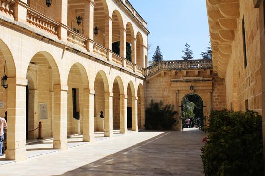 San Anton Malta travel guide