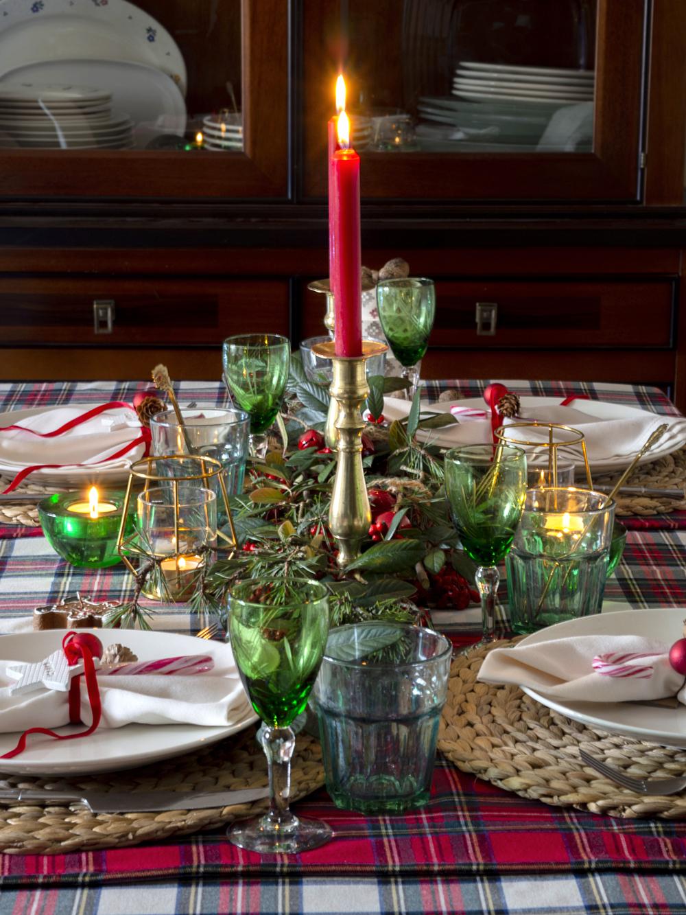Nuestra mesa navideña en cuadros escoceses5