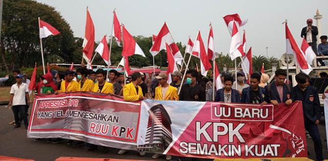 Gelar Aksi Tandingan Dukung Revisi UU KPK, Pendemo Bingung Saat Ditanya Asalnya