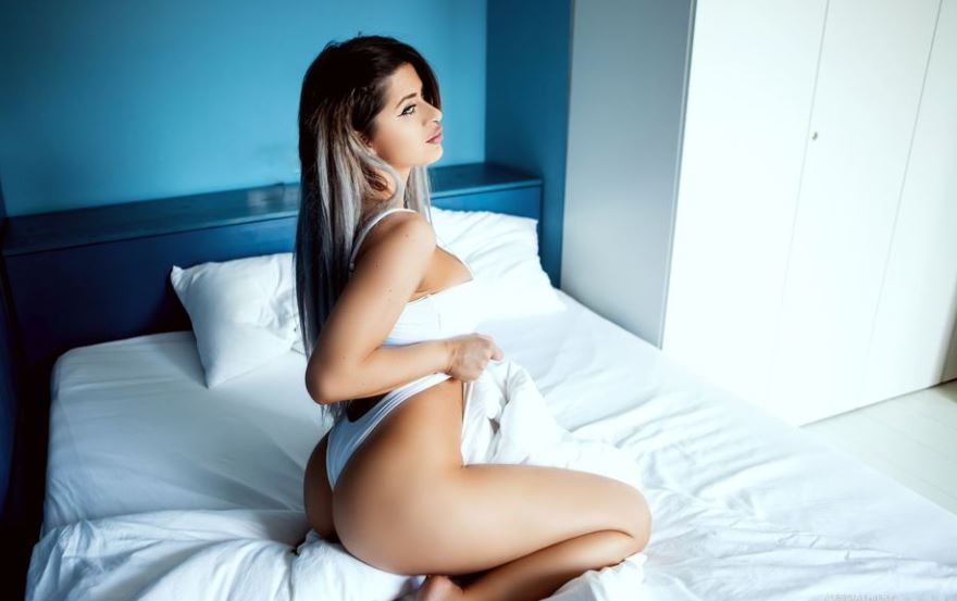AlessiaThiery Model GlamourCams