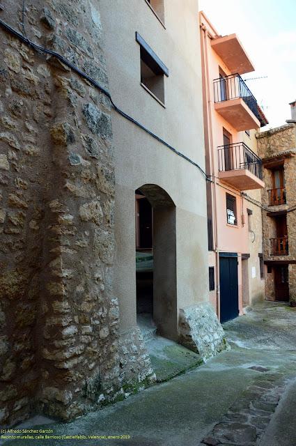 castielfabib-valencia-muralla-barrioso