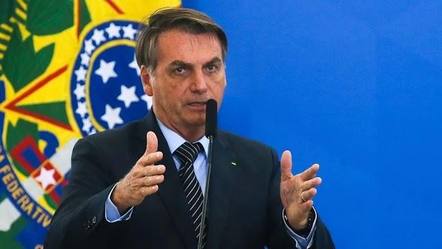"""Vamos meter o dedo na energia elétrica"", diz Bolsonaro após troca na Petrobras"