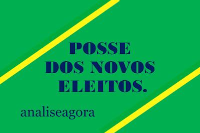 A imagem nas cores do Brasil diz: a posse dos novos eleitos.