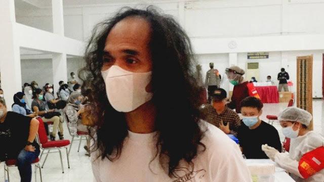 Kaka Slank Ajak Masyarakat Tak Takut Vaksinasi, Netizen: Kayaknya Ngincar Komisaris Juga
