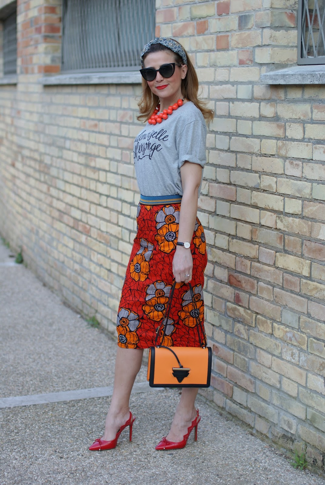 89lies street style, Eightynine Lies t-shirt with Rose a Pois ethnic pencil skirt on Fashion and Cookies fashion blog, fashion blogger style