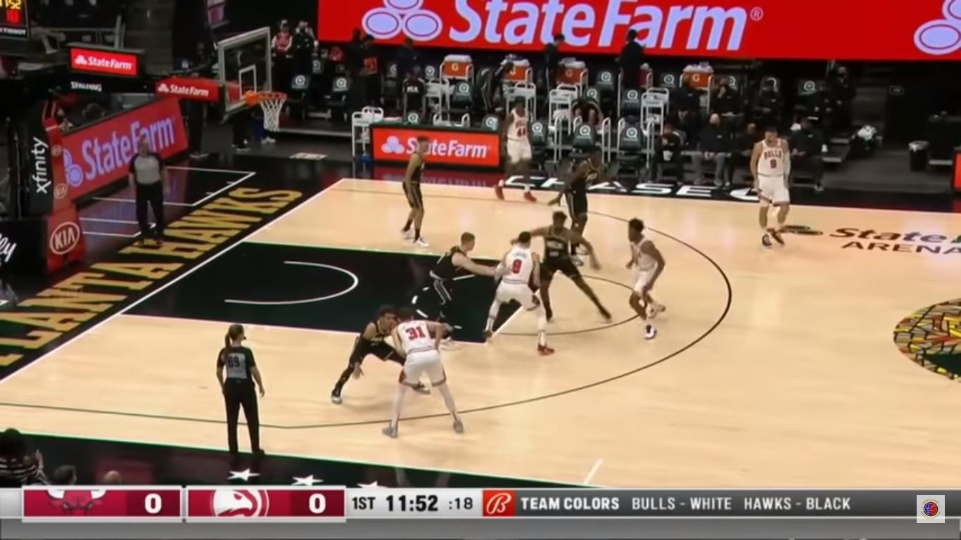 Zach LaVine scores 39 points in first half of Bulls-Hawks