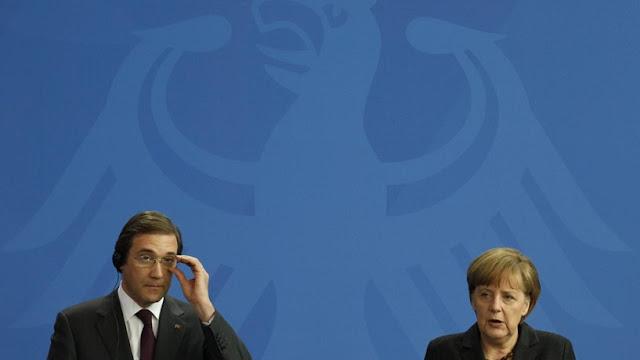Fotografia Passos Coelho e Angela Merkel