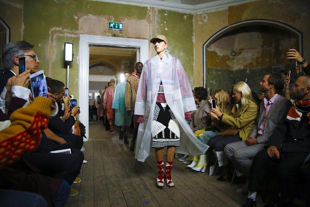 Burberry Spring Summer 2018 Full Fashion Show バーバリー