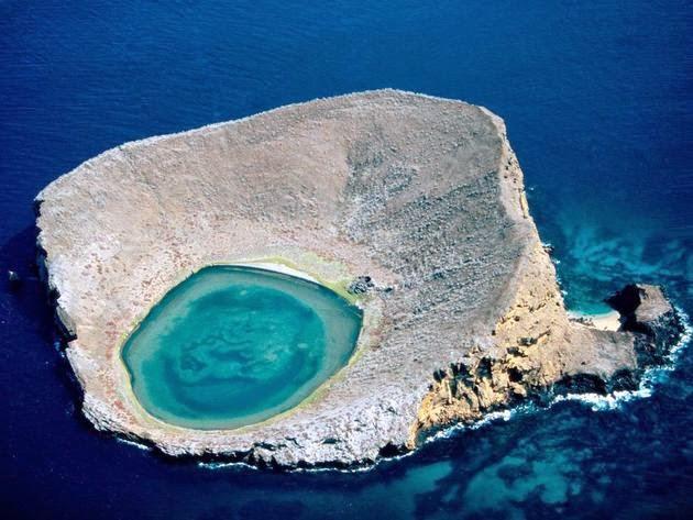بلو لاغون غالاباغوس (جزر إكوادور). الصورة من قبل بوبي هاس Bobby Haas