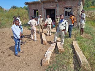 सागौन तस्करों पर वन विभाग द्वारा की जा रही निरंतर कार्यवाही