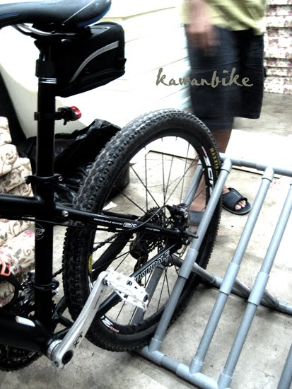 kawanbike: DIY-Pickup truck bike rack