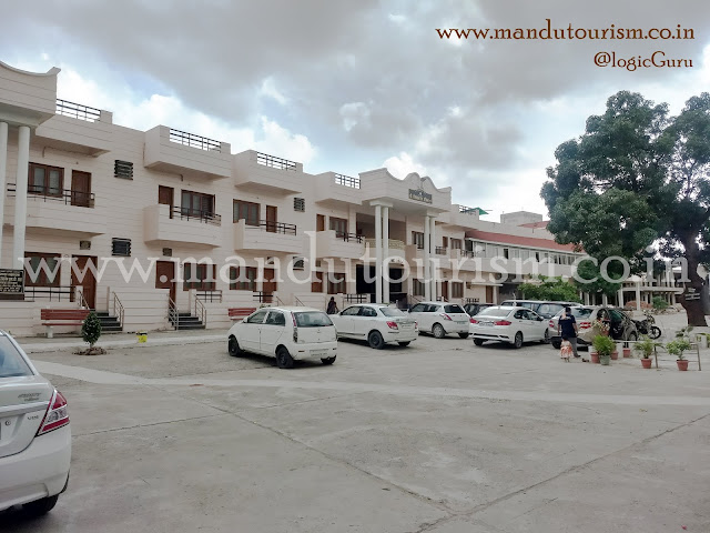 information about swetambar jain temple mandu