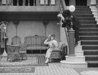 """Кадр из фильма Чарли Чаплина """"Лечение"""" (1917) - 4"""